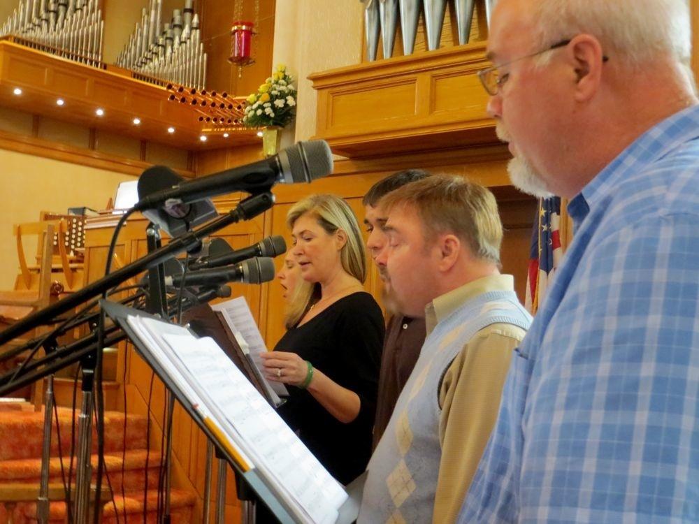 Contemporary service praise singers